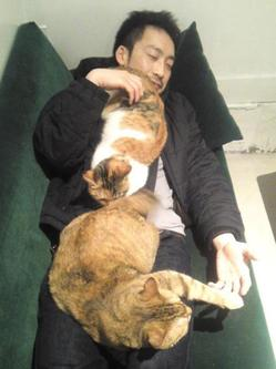 ogawa with cats.jpg